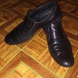 продам импортные кожанные туфли на мальчика 8-10 лет,34 размер