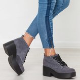 Стильные натуральные коротенькие ботиночки