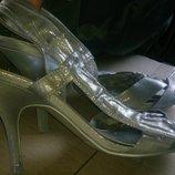 стильні срібні босоніжки р39 Next