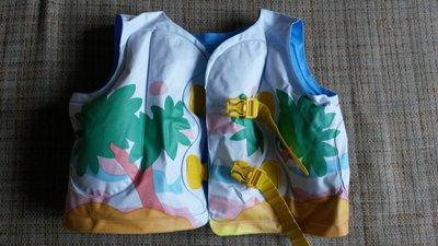 Плавательный жилет для ребенка.