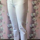 джинсы S-M белые светло-бежевые прямые,скинни
