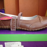 Туфли для девочки светло-коричневые новые 38,39 размер