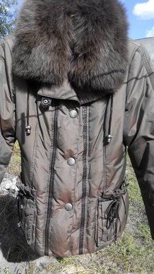 Теплый пуховик курточка размер М 44-46 с натуральным мехом