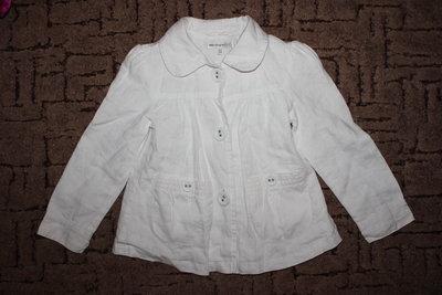 Красивый пиджачок-ветровка 5-6лет.