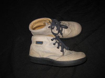 крутые кожаные ботинки Naturino, 18.5 см стелька, с эффектом потёртости