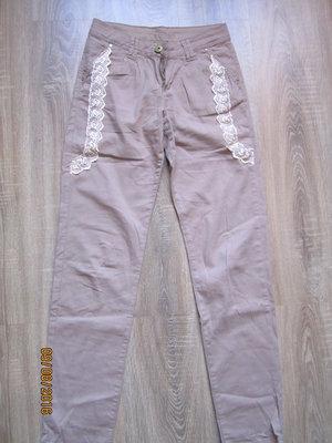 бежевые летние штаны