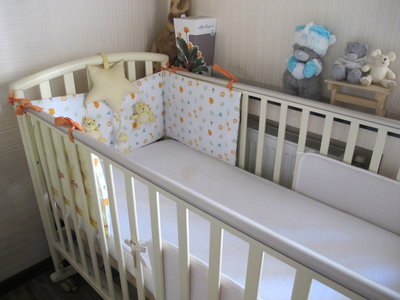 Защитный бампер бортик на кроватку Mothercare. Оригинал