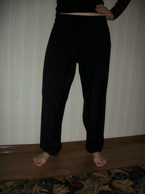 брюки чёрные