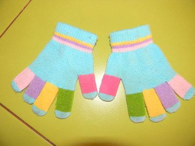 перчатки на 3-5 лет б/у