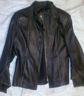 куртка черная с белым натур кожа р С-М-Л