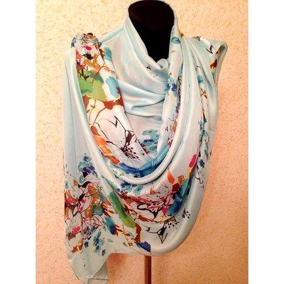 Широкий шелковый шарф, разные расцветки.