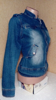 Джинсовая курточка размер 13, б/у