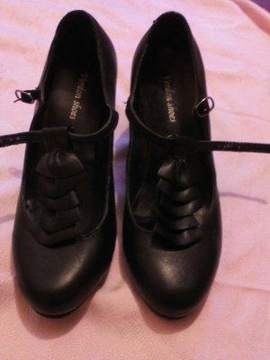 оригинальные туфли женские 37размер