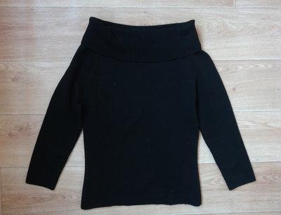 Теплая черная кофточка S- M размера . Недорого