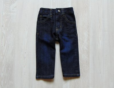 Стильные плотные джинсы для мальчика. Izod. Размер 12 месяцев. Состояние новой вещи