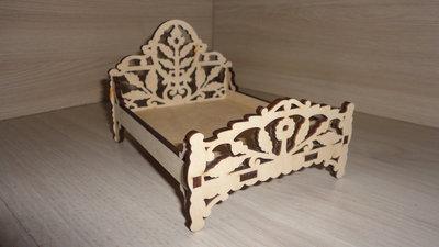 Кровать для куклы. Мебель игрушечная