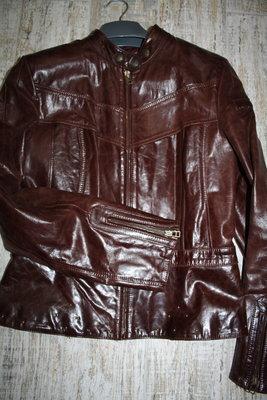Кожаная куртка стильная M,L