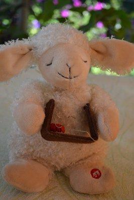 спящая храпащая овечка