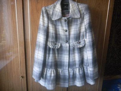 Фирменное шерстяное пальто р 46-48.р 12
