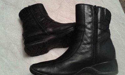 Ботинки деми женские кожаные фирмы Clarks р.3 cтелька 23,5см