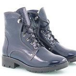 Женские зимние лаковые ботинки