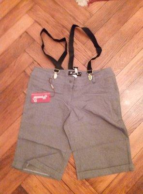 стильные осенние шорты с подтяжками