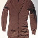 H&M Ddivided. Удлинённый тонкий кардиган коричневого цвета.