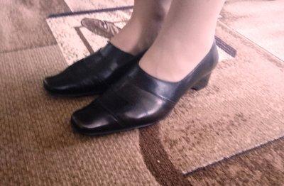 Осенние туфли 39 р.,кожа, фирма LIDER