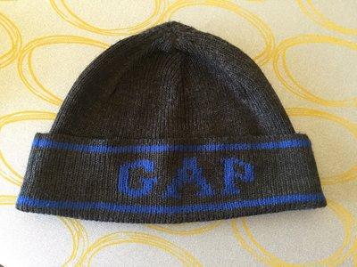 Деми шапка Gap на 9-12 лет на объем головы 56см.
