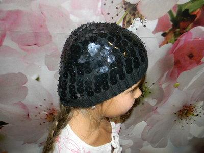 шапочка деми с паетками на девочку 3-5 лет