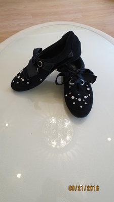 Красивые демисезонные ботинки - туфли в стразах