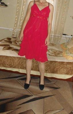 новое платье с воланами