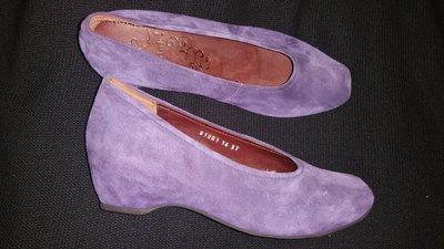 37-24 см замша новые фиолетовые туфли Think абсолют но новые, стелька кожа на пробковой основе, анат