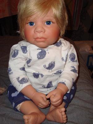 Продам куклу lee middleton
