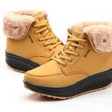 Сникерсы женские Зимние теплые с мехом ботинки сапоги дутики угги