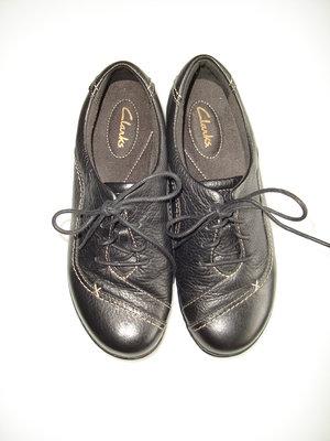 Кожаные туфли, ботинки Clarks , р 37 UK 4D , стелька 23,8 см состояние новых