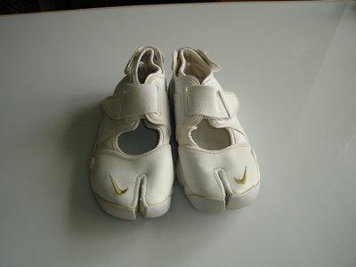 Кроссовки Nike, р 37, стелька 23,5