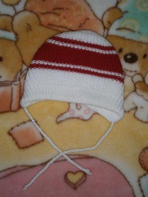 Тёплая шапочка для новорождённой девочки