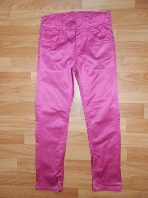 Стильные атласные джинсы H&M р. 128