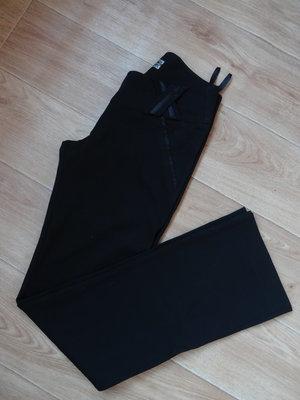 Снизила цену Черные клешные классические брюки S- размера