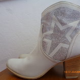 Ботинки Tamaris кожа р. 40 стілка 26,5 см., каблук 7,5 см.