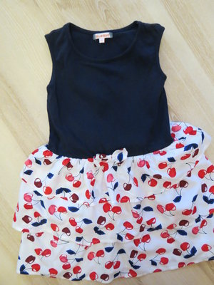 яркое платье в веселую вишеньку Bluezoo 3-4 года