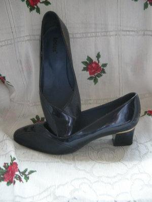 Туфли женские темно-синего цвета,кожа