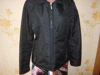 хорошенькая курточка 44-46р