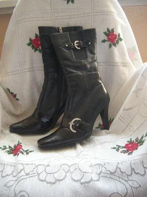 Сапоги зимние черного цвета,100%-кожа,натуральный мех-450грн.