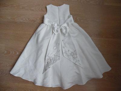Платье девочке 4 года, рост 104 см Designers белое нарядное брэнд
