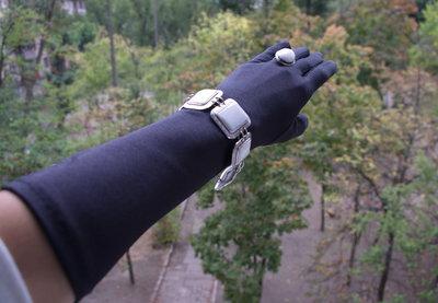 Перчатки атласные удлиненные черные 38см