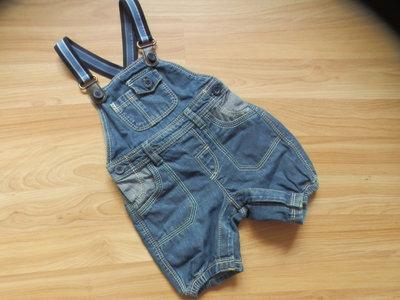 Фирменный джинсовый комбинезон Matalan малышу 3-6 месяцев состояние отличное