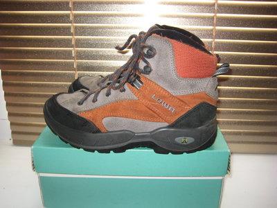 Ботинки термо Lowa Словакия 35 размер по стельке 22,5 см. Кожаные, Зимние . В идеальном состоянии. Л