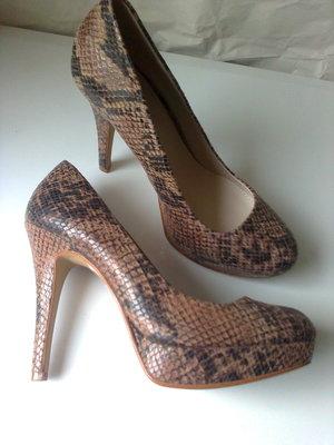 Хищные туфли 39р. 25,2 см., качество, тренд